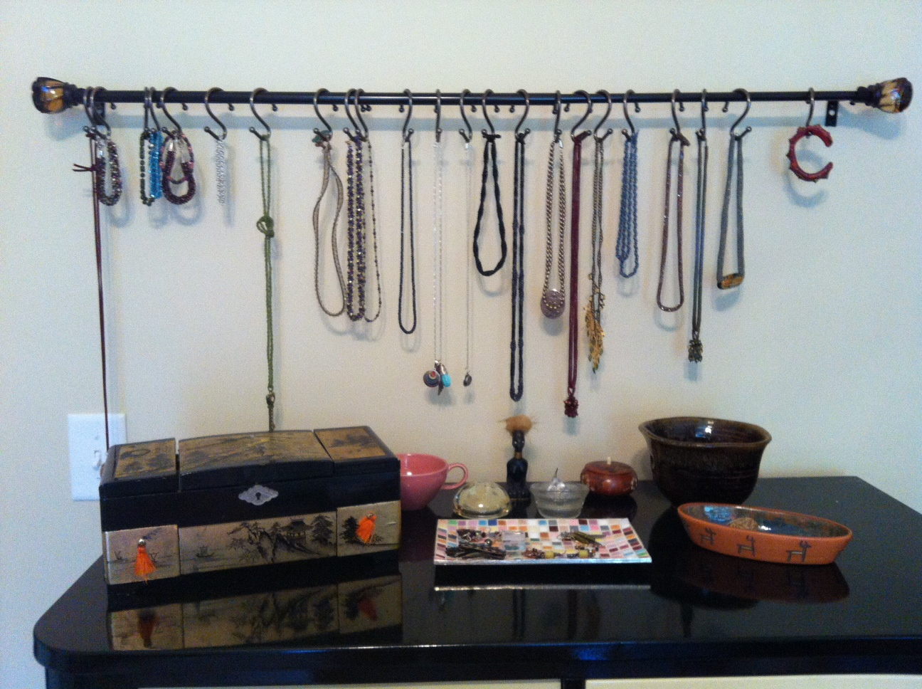 Clever Jewelry Display and Storage!